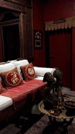 Mai Tai Resort: Hallway to room