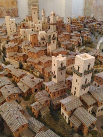 San Gimignano 1300: P_20170821_161630_large.jpg