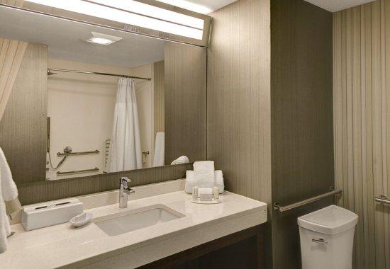 Gretna, LA: ADA Accessible Bathroom
