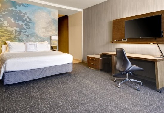 Gretna, LA: Executive King Guest Room