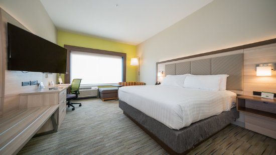 Holiday Inn Express & Suites - Southaven King room w/sofa sleeper