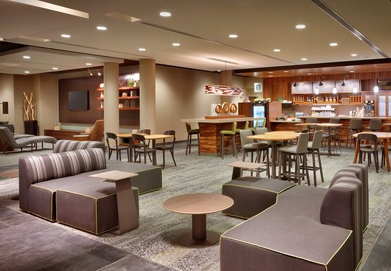 Westminster, CO: Lobby Seating Area