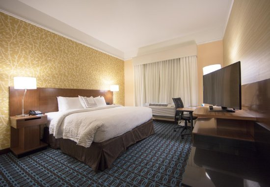 Chillicothe, OH: King Guest Room