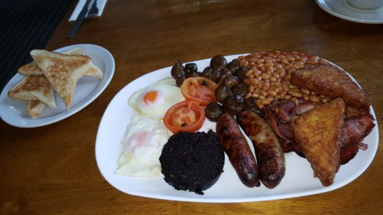 Wellingborough, UK: Hearty breakfast in Oliver's Cafe