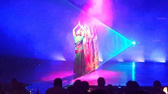 Son Amar: Orientalische Tanzeinlage