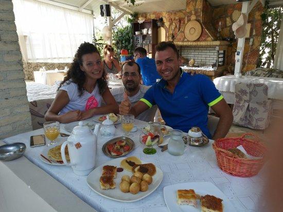 Villa Olga Hotel Apartments & Studios: colazione