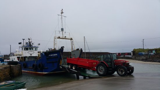 Clare Island, Irlanda: Produce arrives daily from the mainland