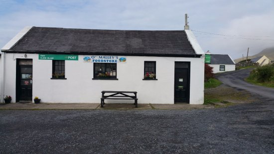 Clare Island, Irlanda: The shop and Post Office