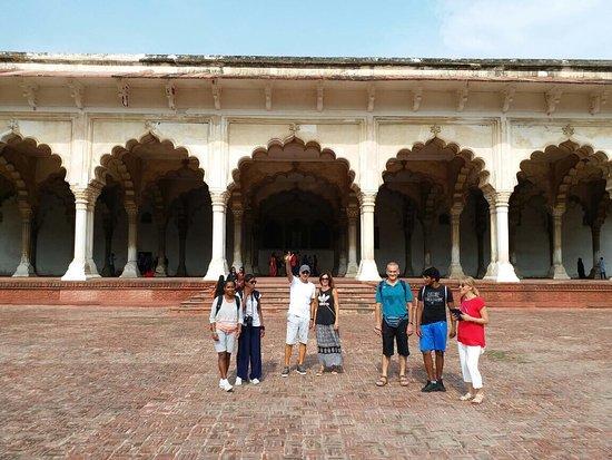 Aliza Tours Taj Mahal Day Trips