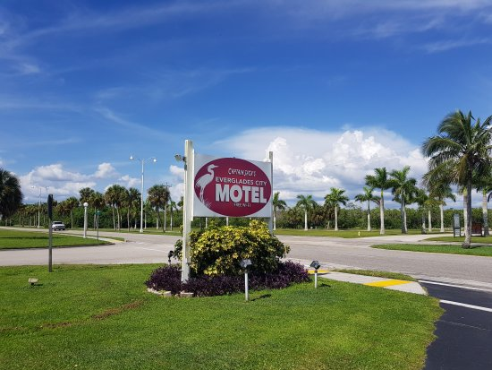 Everglades City Motel: 20170812_162140_large.jpg