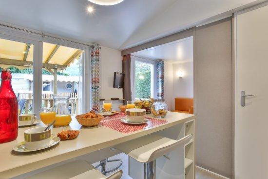Services : Epicerie & Depôt de pain © LE PRE BAS - Picture of Yelloh ...