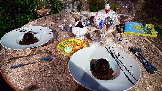 Saint-Saud-Lacoussiere, ฝรั่งเศส: dessert exquis