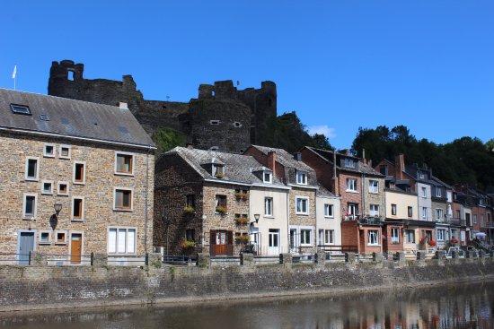 La Roche-en-Ardenne, Belçika: Het kasteel gezien vanuit La-Roche-en-Ardenne.