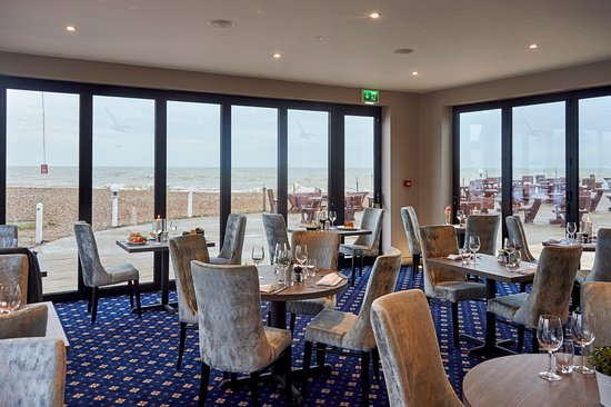 Bexhill-on-Sea, UK: Brasserie on the Beach at The Cooden Beach Hotel