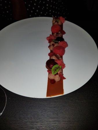Chardonne, สวิตเซอร์แลนด์: Framboise s, poivres sarawak et chocolat Costa Rica 70%