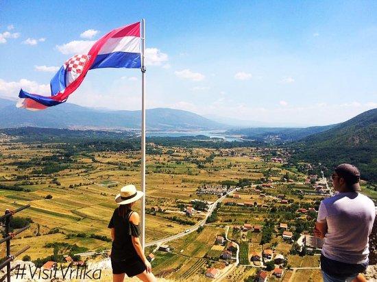 Vrlika, كرواتيا: Fortress Prozor with stunning view,foto by Dalmatia Explorer
