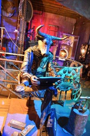 Steampunk HQ: Uomo ... pensante?! Prima sala