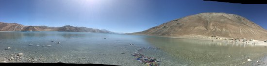 Spangmik, India: Awesome place at one corner of India. Very beautiful and calm place. Unbelievable beauty.