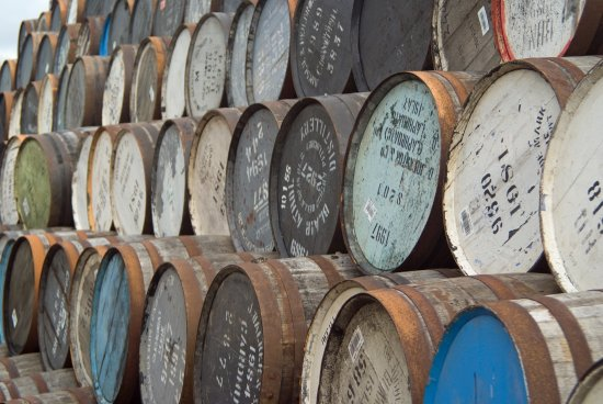 Burghead, UK: Whisky casks