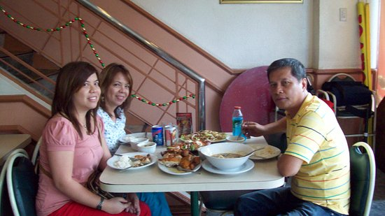 Valenzuela, Philippines: Awesome Goodness of Chicken!