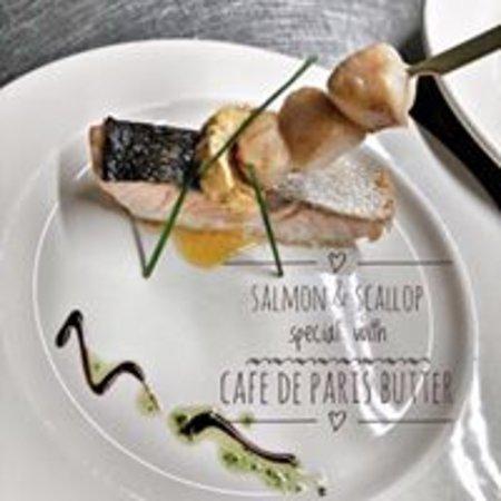North Thoresby, UK: salmon & scallops
