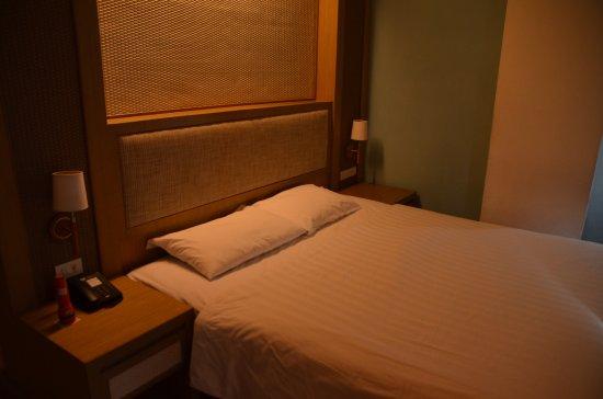 The ASHLEE Plaza Patong Hotel & Spa Bild