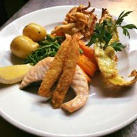 North Thoresby, UK: Fish Mixed Grill