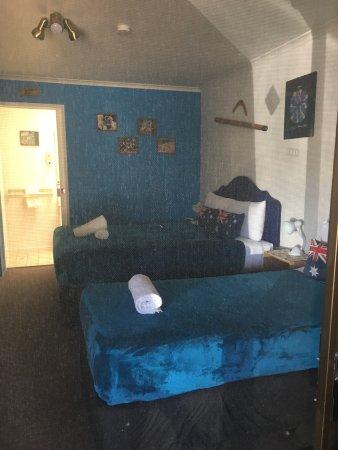 โรงแรมมารูชายโดบีช: Maroochydore Beach Motel