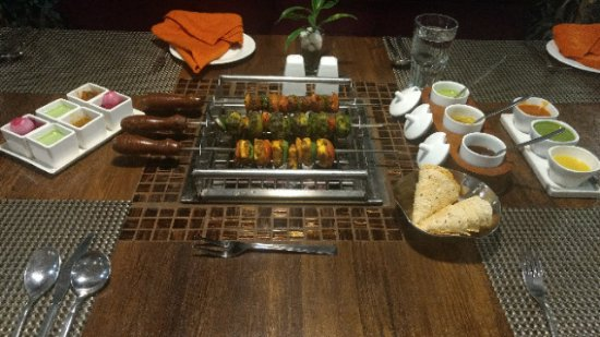 Ramada Ahmedabad: SMOKYZZ Grill & BBQ