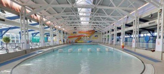 Sheringham, UK: Waves & Slide Pool