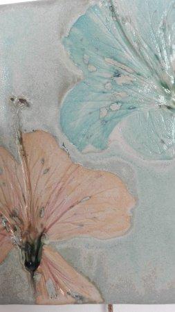 flower tile detail