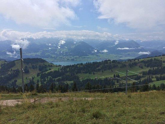 Rigi Kaltbad, Suiza: Zimmeraussicht von der Terrasse aus.