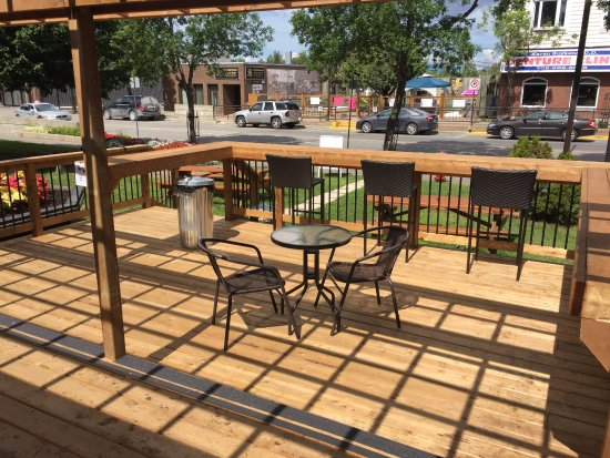 Porch Seating - Greggy's Smokehouse Take Out, Kirkland Lake ON