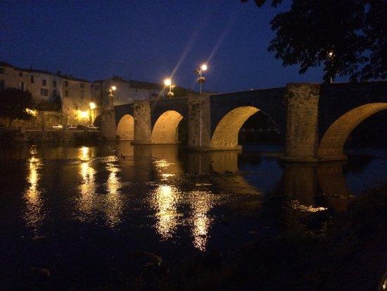 Limoux, França: vu sur le pont non loin