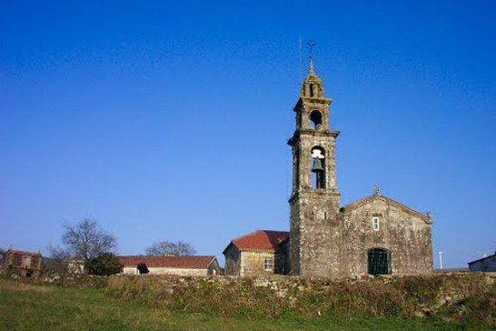 Camino Santiago Finisterre. Vista Frontal Iglesia San Xoan Mazaricos