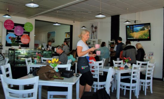 Inverell, Australien: One of our beautiful waitresses