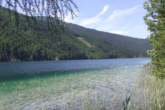 Weissensee, Østerrike: acqua limpida