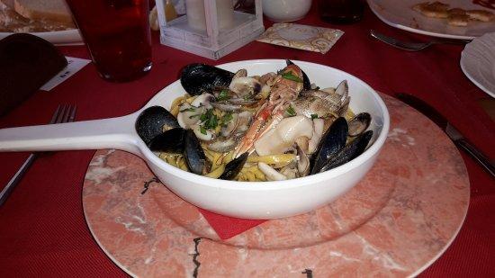 Falconara Marittima, Italia: Tagliatelle ai frutti di mare