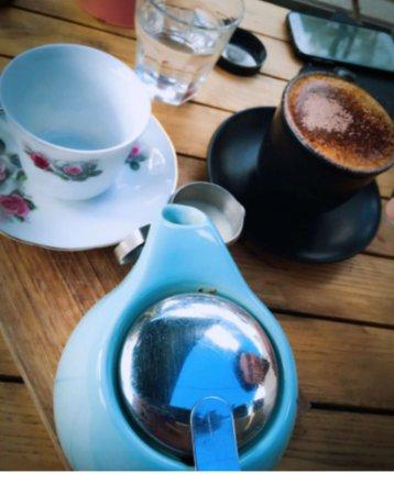 Mount Evelyn, Australia: tea and coffee