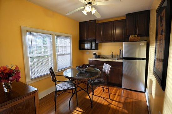 Lake Worth, Φλόριντα: pineapple kitchen