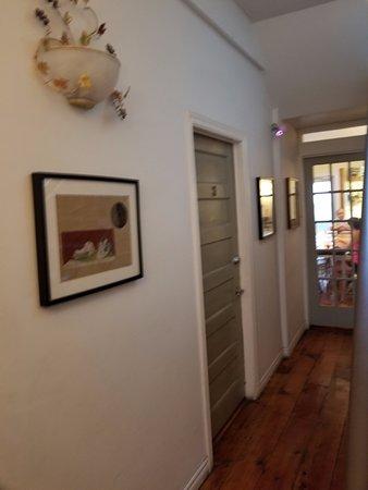 Baldwin Village Inn : Downstairs before entering Dining Area