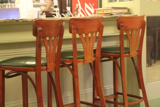 Old World Cafe and Ice Cream : Comfortable stools.