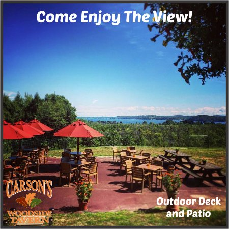 Malta, Нью-Йорк: Come enjoy the view and eat outdoors on our lovely deck and patio!