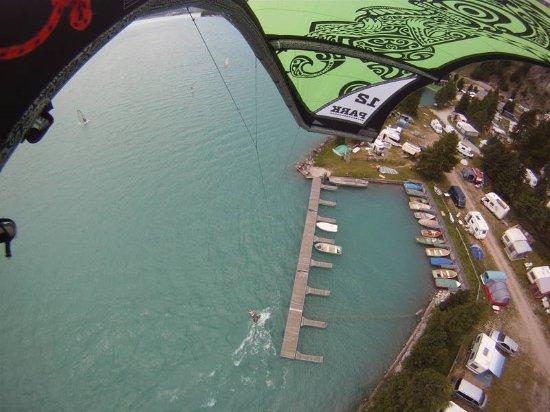 Silvaplana, Switzerland: Campinggelände und Hafen.