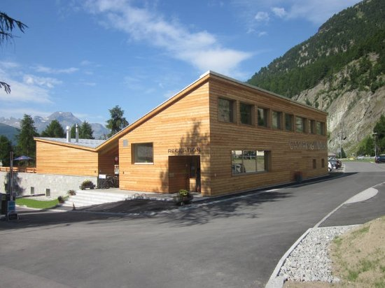 Silvaplana, Switzerland: Campinggebäude