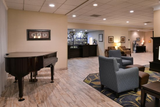 When you come to Leesburg, VA, stay at the Best Western Leesburg Hotel & Conference Center.
