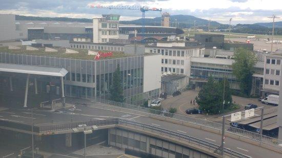 Radisson Blu Hotel, Zurich Airport: 20170819_084037_large.jpg