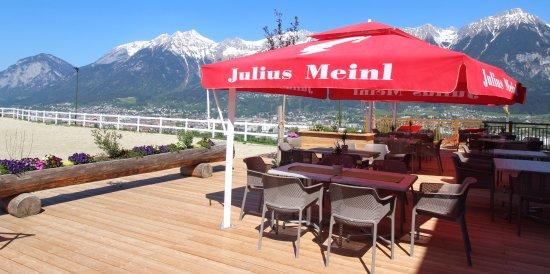 Aldrans, Austria: Sonnenterrasse über Innsbruck