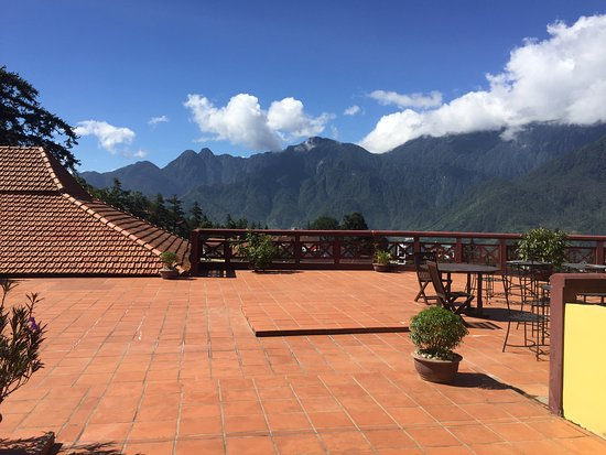 Victoria Sapa Resort and Spa : Cafe on roof