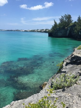 Hamilton, Bermuda: view from the top of hte cliffs.
